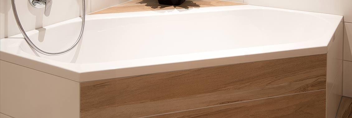 Fliesenverlegung und badsanierung vom fliesen fachbetrieb - Geflieste badewanne ...