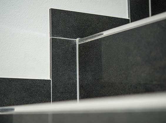 geflieste treppen treppenstufen in feinsteinzeug. Black Bedroom Furniture Sets. Home Design Ideas